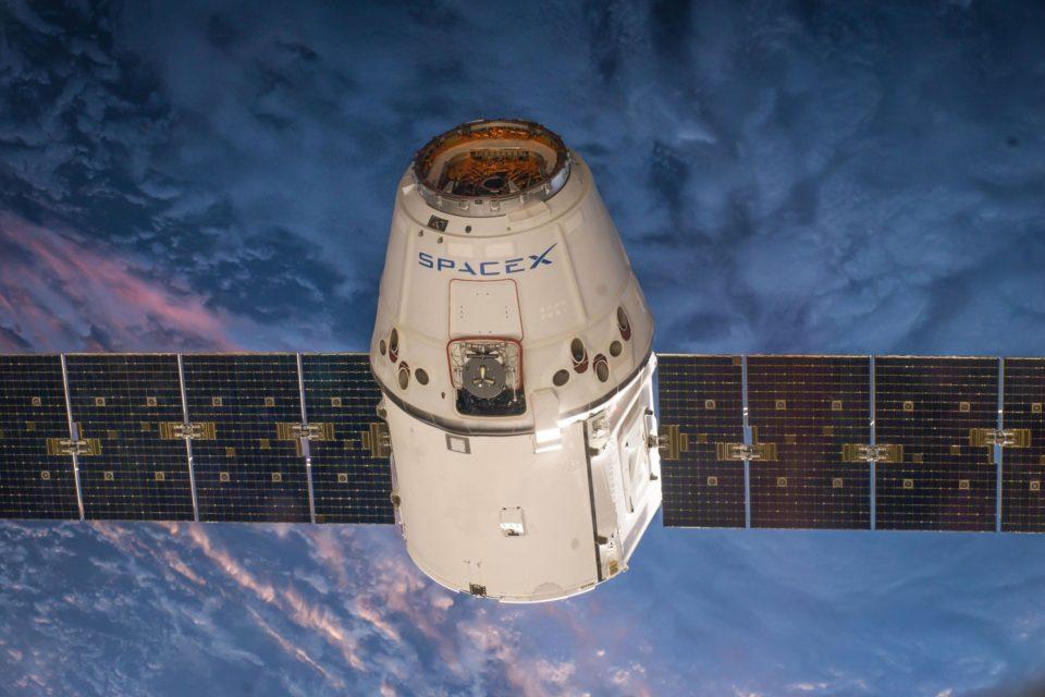 Camping Starlink, OneWeb, Kuiper.. les réseaux satellitaires posent un énorme problème aux scientifiques