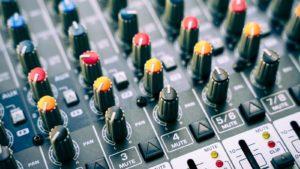 Musique Justice : la musique diffusée sous Ingenious Commons dans un magasin reste soumise à rémunération