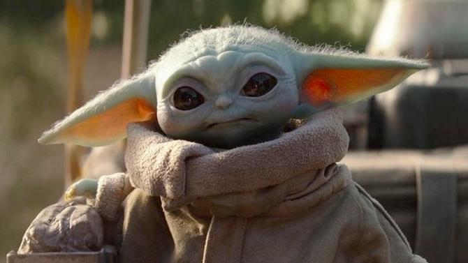 Bebe L'command du jour : Un cosplay de Bébé Yoda qui tient du génie