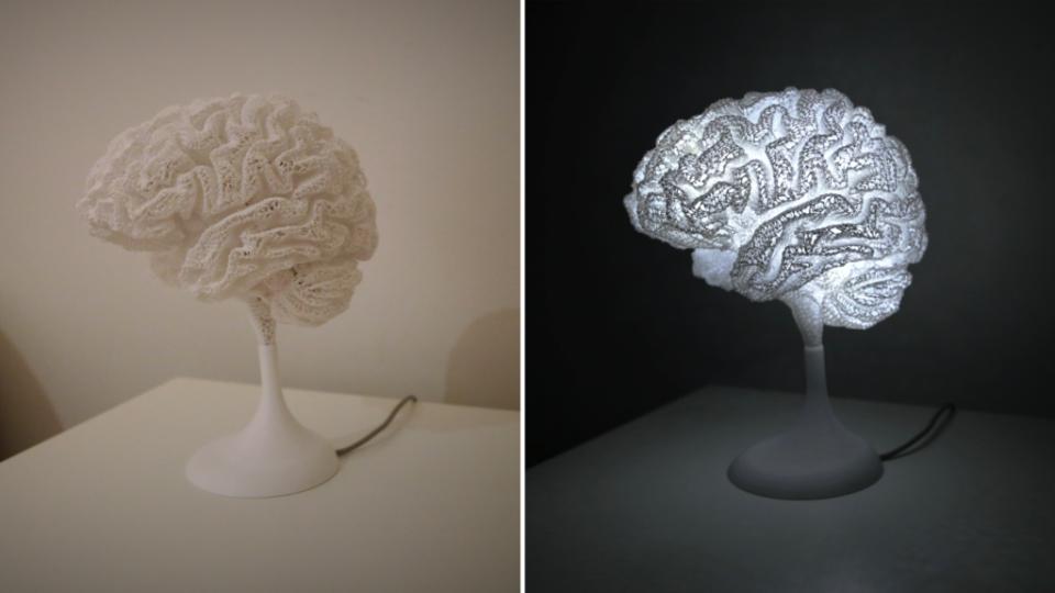 Jouets Après une IRM, il récupère le fichier et imprime son cerveau en 3D pour en faire une lampe