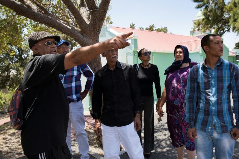 Bagage En Afrique du Sud, le long et douloureux chemin du retour des expulsés du District 6