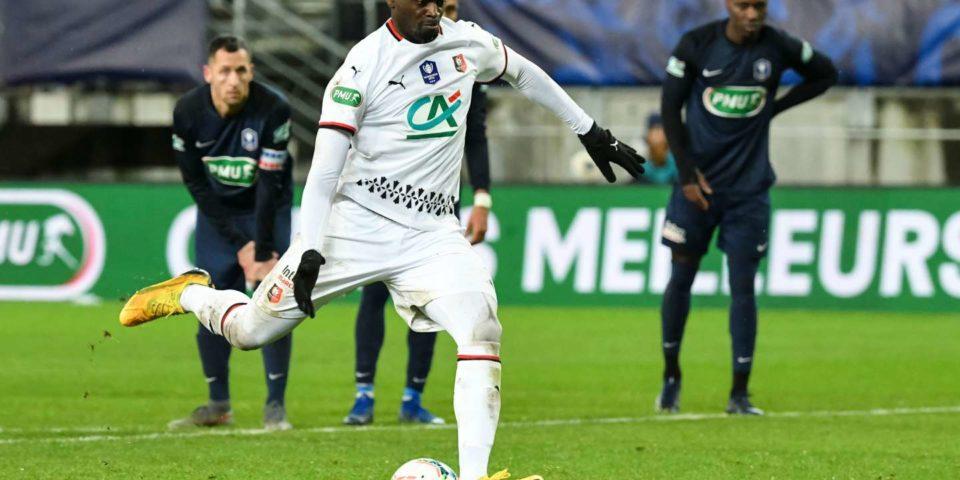 Football Coupe de France : Rennes s'impose 3-0 face à Belfort