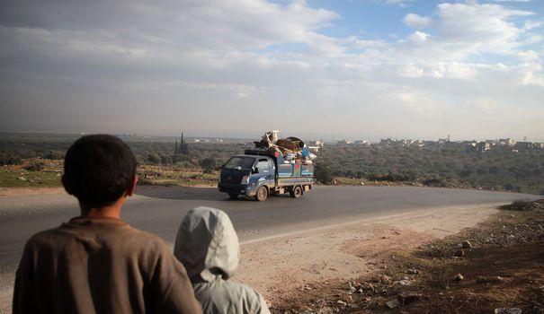 Bureau Syrie : l'offensive du régime contre Idleb a fait plus de 800 000 déplacés depuis décembre