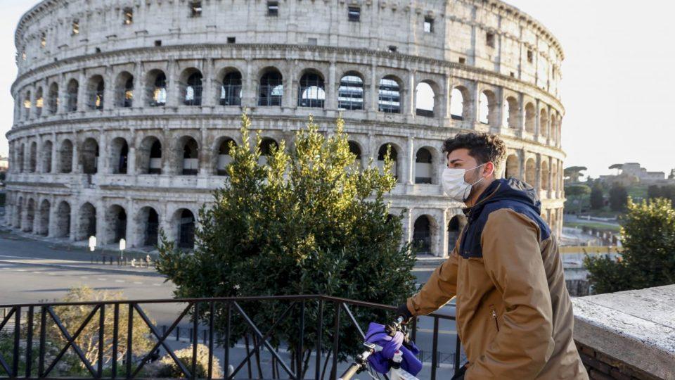 Epicerie Coronavirus en Italie : un can pay à l'arrêt