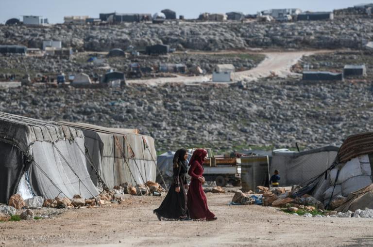 Epicerie En Syrie, des habitations en dur pour des déplacés sans retour en vue