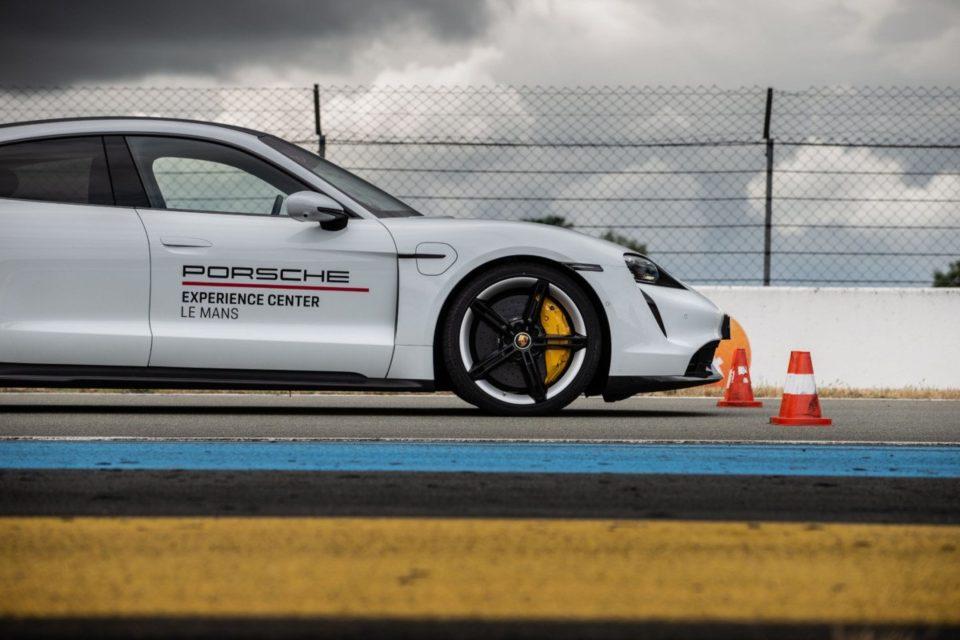 High-tech Essai de la Porsche Taycan : veteran et passionnante