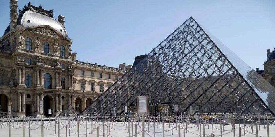 Bijoux Le musée du Louvre rouvre, mais l'affluence est pour plus tard
