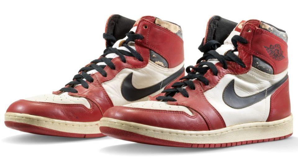 Chaussures de sport Nike et Jordan font exploser les prix des baskets aux enchères