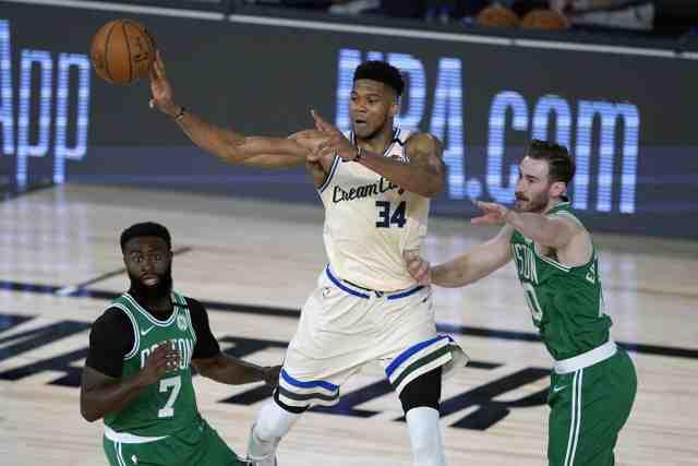 Basket Basket – NBA – NBA : Milwaukee bat Boston, Antetokounmpo domine les débats