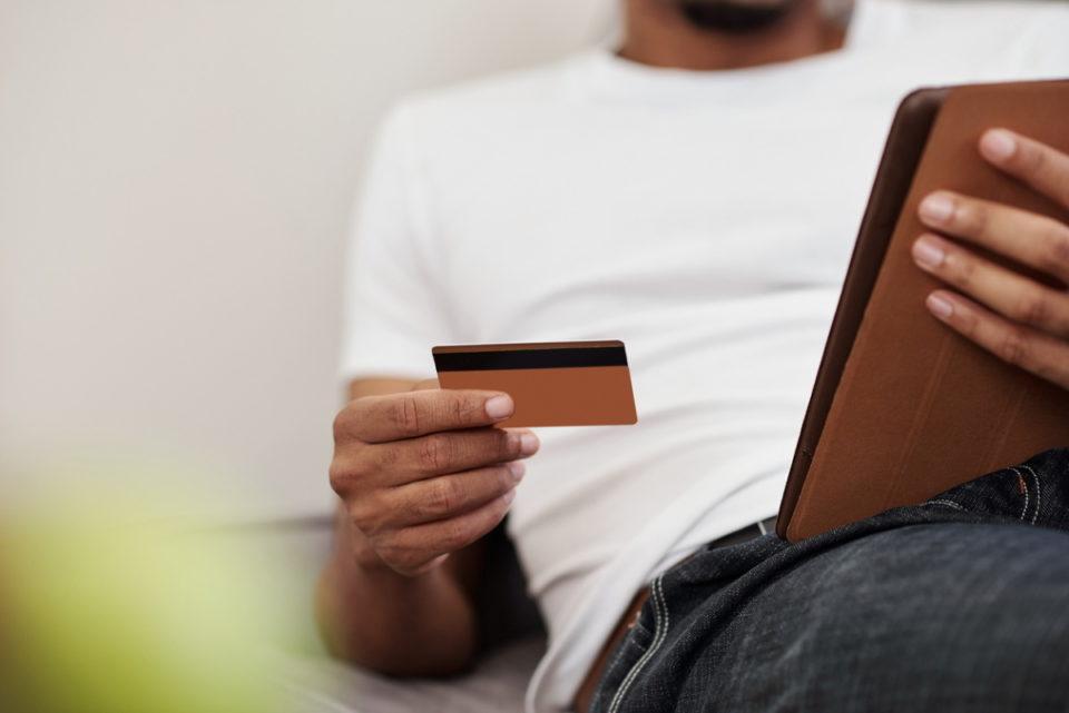 Bijoux E-commerce : les enseignes se tournent vers la réalité augmentée pour convaincre les acheteurs