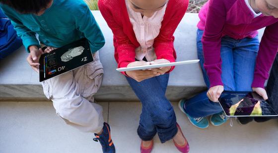 Ecole Ecole en ligne : 30 000 iPad livrés gratuitement à des enfants et à des enseignants