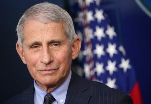Maillot de bain Dr. Anthony Fauci Made More in 2019 Than Trump Did as President