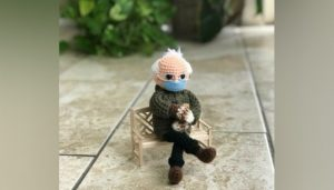 Maillot de bain Lady crafts doll out of viral Bernie Sanders meme and is piquant to promote it for charity