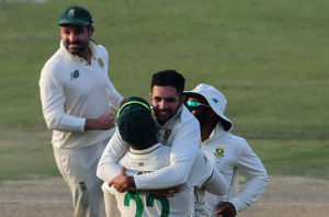 Maillot de bain News24.com   Dean Elgar admits Proteas are on high as they behold early strike