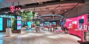 Maillot de bain T-Mobile otevřel showroom nabitý technologiemi. Dáte si zde kávu a nahrajete podcast