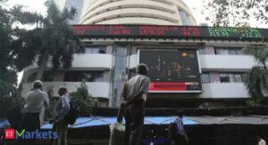 Maillot de bain Sensex rises over 100 points, Nifty reach 14,700; Dr Reddy's Labs jumps