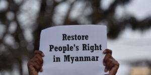 Maillot de bain Myanmar: How repressive regimes quash dissent with Web shutdowns