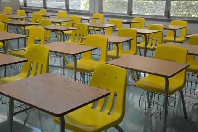 Maillot de bain Acusan a maestra de secundaria de Florida por mantener relaciones sexuales con una alumna