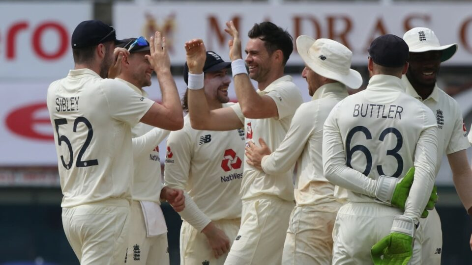 Maillot de bain James Anderson and Jack Leach consign India to uncommon house defeat