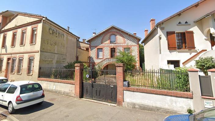 Maillot de bain Maison d'un octogénaire squattée : groupes de soutien et tensions à Toulouse