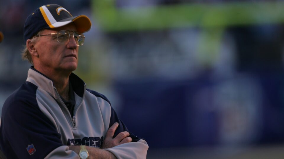 Maillot de bain Marty Schottenheimer wearisome at 77; NFL world mourns all-time gigantic head coach