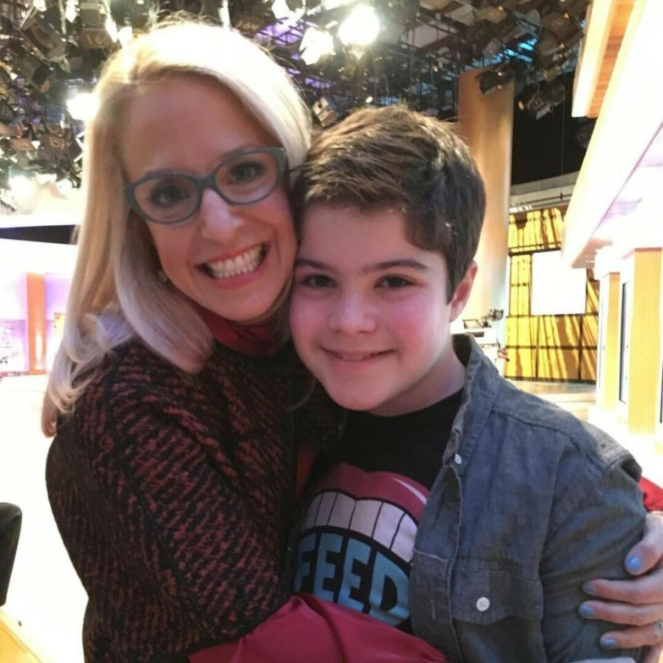 Maillot de bain OWN TV Host Dr. Laura Berman's Son Samuel Plain at 16 After Obvious Overdose
