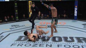 Maillot de bain UFC Paunchy War Video: Gilbert Burns dominates Demian Maia – 'Donkey Kong going loopy'