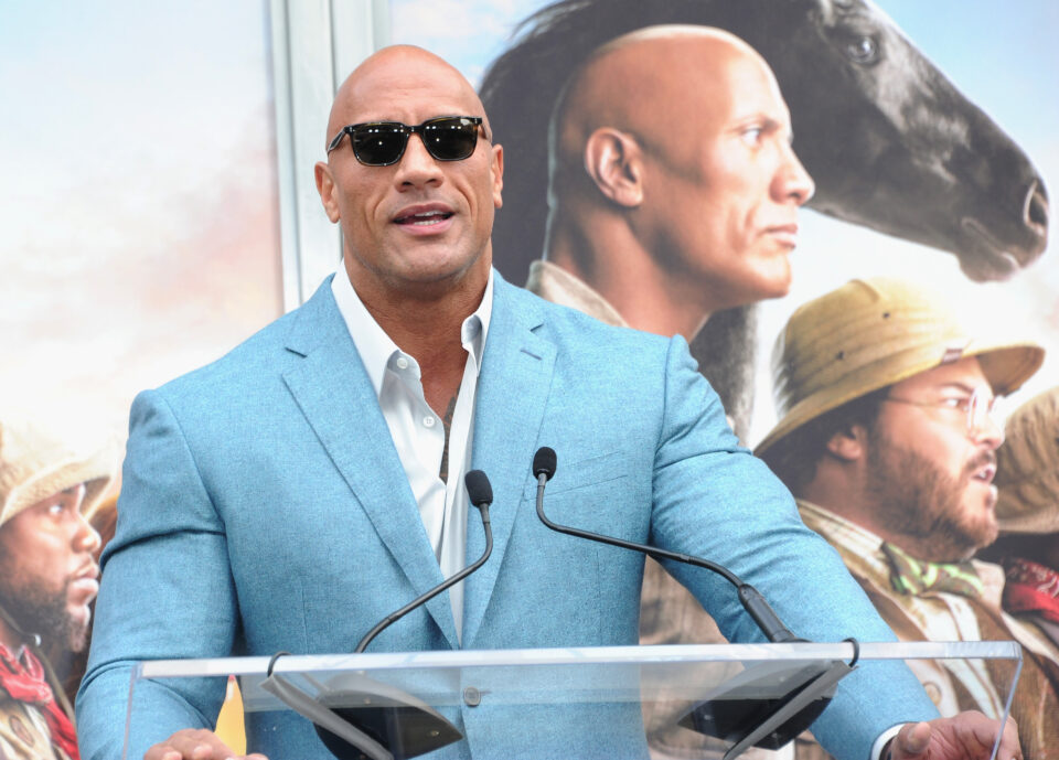 Maillot de bain Dwayne Johnson and Alexandria Ocasio-Cortez Luxuriate in The Same Odds To Be President in 2024
