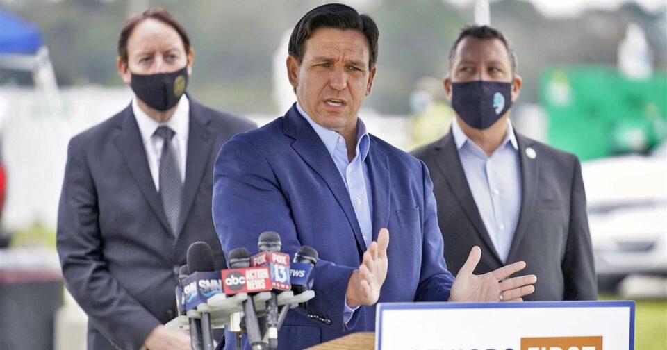 Maillot de bain Florida gov finds political gold in Covid vaccines