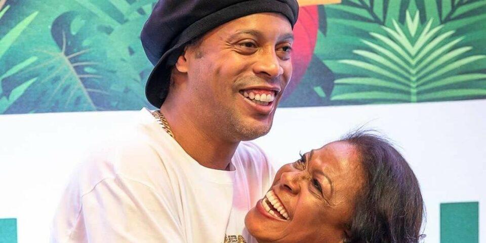 Maillot de bain Mãe de Ronaldinho Gaúcho morre de covid-19, em Porto Alegre