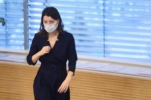 Maillot de bain Po kontakto su sergančiuoju COVID-19 izoliuojasi ministrė M. Navickienė