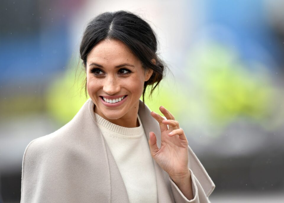 Maillot de bain Meghan Markle—And Her Gigantic Prolonged, Wavy Hair—Appropriate Made a Surprise Video Appearance