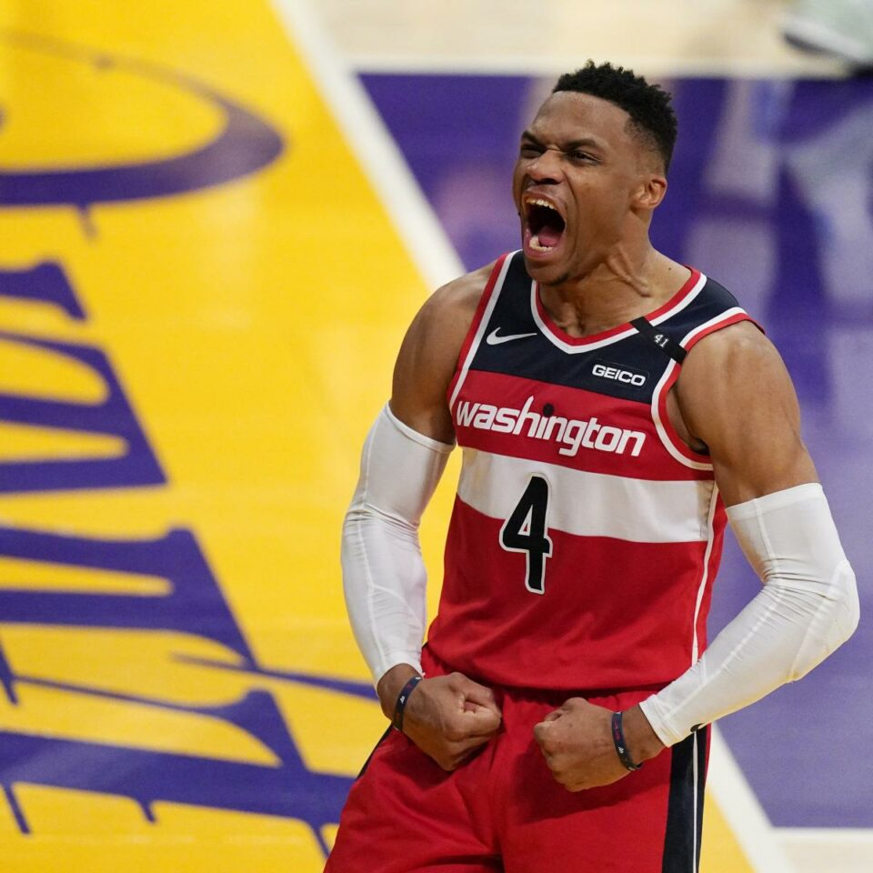 Maillot de bain LeBron James, Lakers Fall to Russell Westbrook, Bradley Beal, Wizards in OT