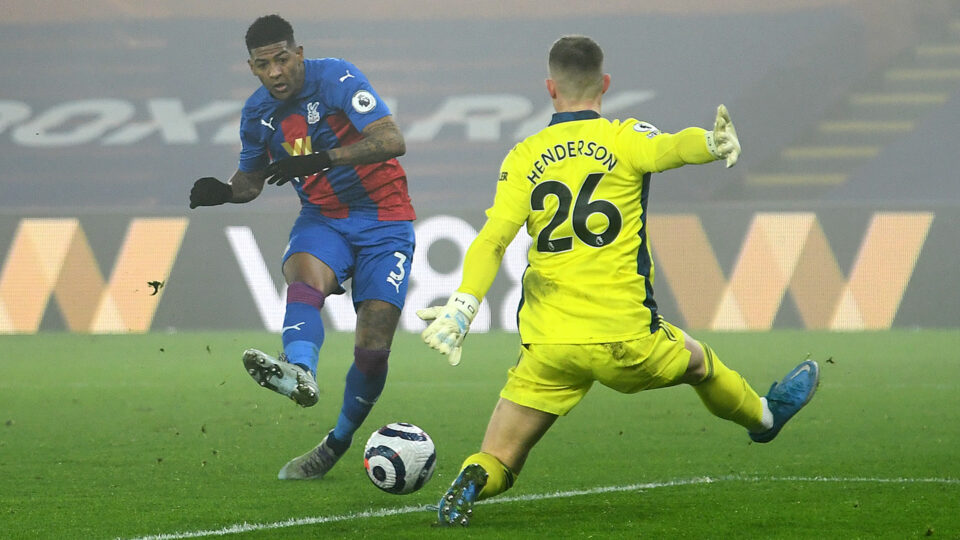 Maillot de bain 'Why we kneel' – Crystal Palace star Van Aanholt unearths vile racist abuse for dumb omit in opposition to Man Utd