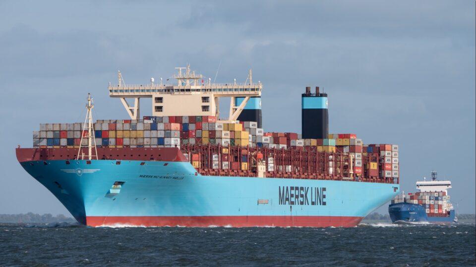 Maillot de bain Už za dva roky chce mít Maersk uhlíkově neutrální loď na hladinách oceánů. Impression roku 2030 sníží emise o 60 procent