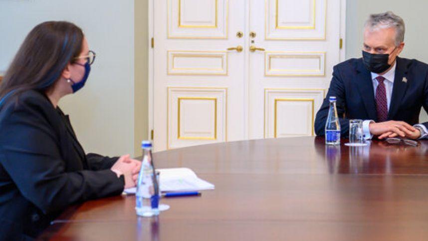 Maillot de bain Prezidento ir ministrės pokalbyje – nuo partnerystės įteisinimo iki įkalinimo įstaigų pertvarkos