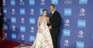 Maillot de bain Experiences: Jennifer Lopez and Alex Rodriguez Split