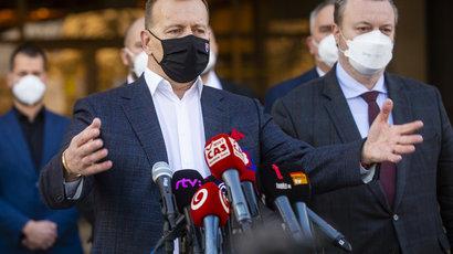 Maillot de bain Kollár požiadal orgány, aby nezdržiavali proces v prípade šéfa SIS