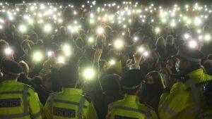 Maillot de bain London: Hunderte besuchen Gedenkort für getötete Frau – sogar Herzogin Kate
