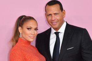 Maillot de bain Jennifer Lopez ir Alexas Rodriguezas pakomentavo kalbas apie skyrybas