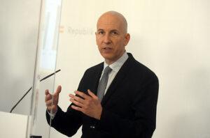 Maillot de bain Laut Arbeitsminister – Spezifische Corona-Kurzarbeit bis maximal März 2022