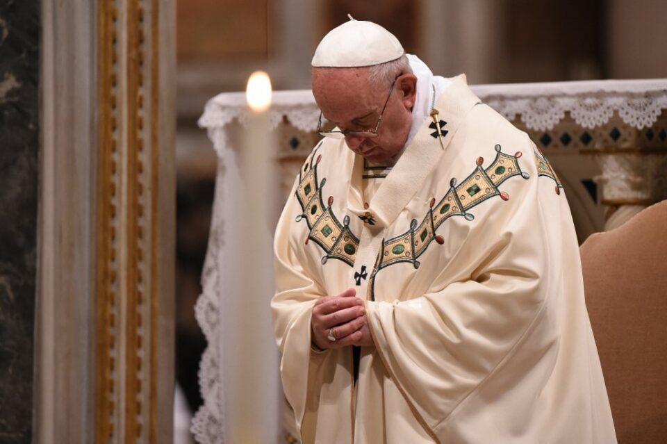 Maillot de bain Pope criticises the mafia for 'exploiting' the pandemic