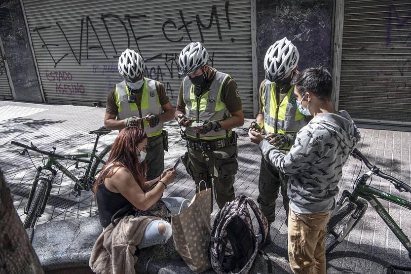 Maillot de bain Chile: desde el jueves más de 13 millones de personas volverán a estar en cuarentena entire por el aumento de casos de coronavirus