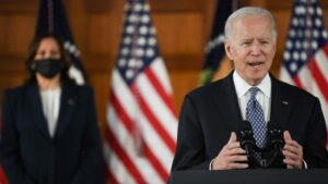 Maillot de bain Biden's team is teeing up a large local climate and infrastructure bill