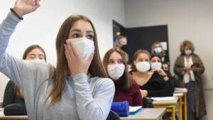 Ecole Covid-19. Arnaud Fontanet, épidémiologiste : «Maintenir les écoles ouvertes revient à prendre un risque»