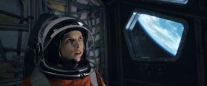 Maillot de bain Na Netflixu vyjde sci-fi Stowaway o přežití během cesty na Mars. Režisér napínavého thrilleru začínal na YouTube