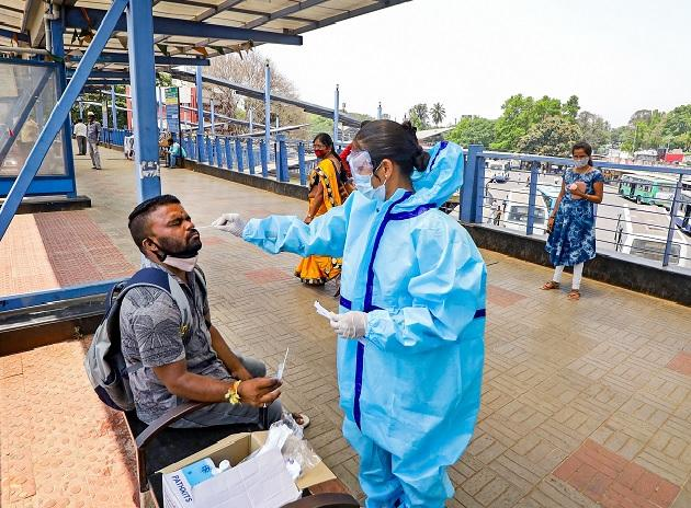 Maillot de bain Karnataka sees nearly 3,000 contemporary Covid cases, 21 deaths in last 24 hours