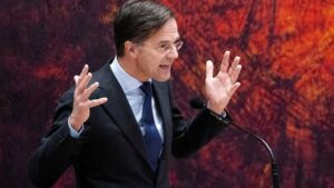 Maillot de bain Dutch PM Trace Rutte fights for political lifestyles after blunder
