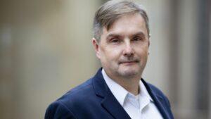 Maillot de bain Prezidentas pasiūlė du naujus VRK narius