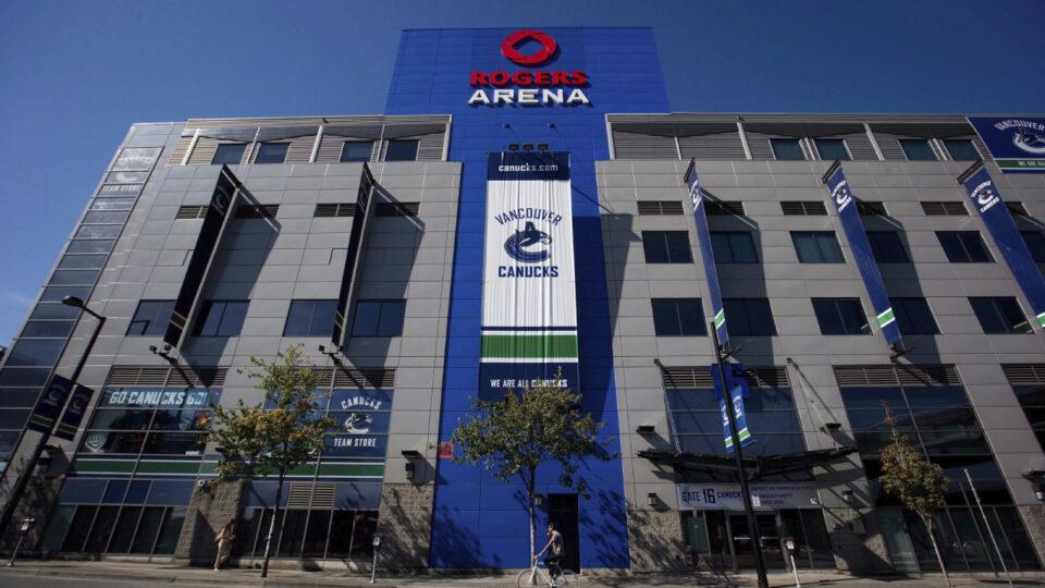 Maillot de bain 5 extra Canucks avid gamers enter NHL's COVID-19 protocols